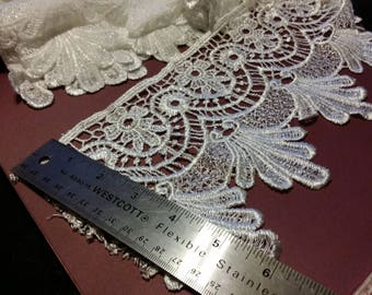 6 inch - Victorian Scallop Dangle Venice Lace -  1 Yard