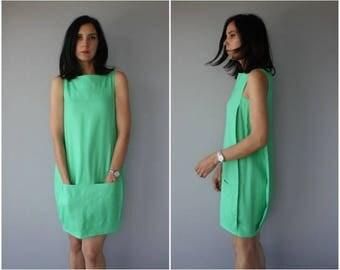 Vintage 1990s Diane Von Furstenburg Dress | 90s DVF Dress | Green Shift Dress | 1990s Minimalist Dress | Cocoon Dress - (small/medium)