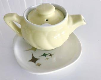 Tea for Two -- Pretty Vintage Hall USA 1950's Tea Pot in Vintage Yellow -- Retro Home