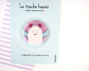 Kawaii touch: message board and his little Vampire magnet