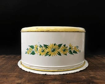 Vintage Cake Tin, Yellow Daisy Cake Carrier, Floral Cake Plate, Cake Stand, Cake Cover, Pie Plate, Rustic Kitchen, Yellow Flowers