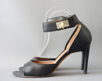 Givenchy black leather sandals | 1990's by cubevintage | size 39