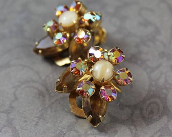 Vintage Light Brown AB Crystal Rhinestone Flower Gold Tone Clip On Earrings
