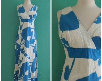 60's floral blue white maxi dress // abstract print textured maxi dress ~ small medium