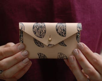 Small Moon Pattern in Black Leather Change Purse