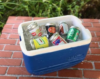 LD SALE Miniature Cooler With Ice, Pop And Beer Cans, Blue Mini Cooler Set, Dollhouse Miniature, 1:12 Scale, Miniature Home & Garden Decor
