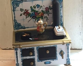 SALE Miniature Stove, Flower Tin Lithograph Kitchen Cook Stove, Collectible Dollhouse Miniature, 1:12 Scale, Stove by Reutter, Made in Germa