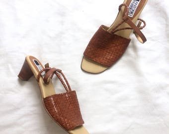 Vintage 1980s brown leather sandals / finely woven strappy slingback sandals / Antonio Parriego sandals - 40