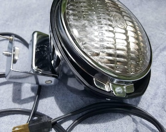Vintage 1970s Bell & Howell Movie Light for a Tripod 650w 120v
