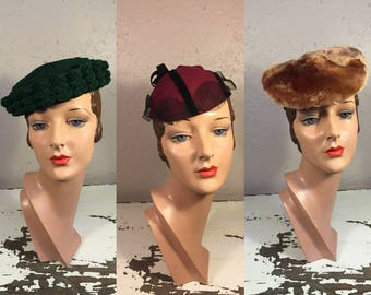 Three Gals Hat Lot#5 - Vintage 1930s WW2 1940s Lot of 3 Hats Green Corde Caplet Red Black Cap Brown Green Military Hat