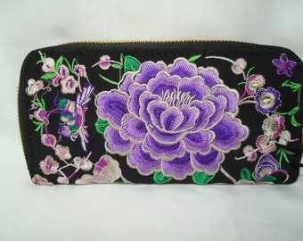 1994 BOHEMIAN Hippie Style Purple Floral Embroidered Wallet .