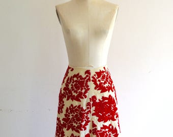 MEXICAN Embroidery linen Skirt Bold Red Floral Art Style Fashion Street Style Runway 70s