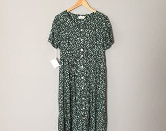 sage green caped maxi dress / tulips and flowers print maxi dress / tit back bow ditsy print button down dress / m