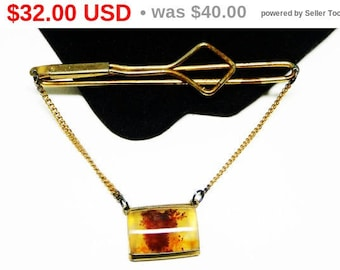 Spring Fling Sale Vintage Moss Agate Tie Bar - Gold Tone Moss - Tiebar with Chain - Mens Jewelry