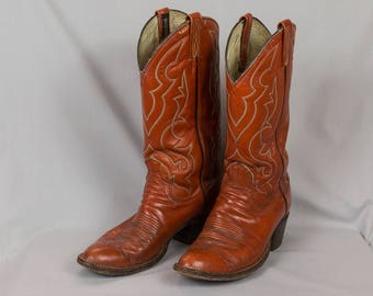Cowboy boots, Dan Post boots, Men's/Woman's Size 9, Reddish tan boots, White stitching, Southwestern design, Soft leather boots