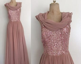 30% OFF 1950's Dusty Pink Silk Chiffon Evening Gown with Sequin Bust & Detachable Shawl Vintage Prom Evening Party Dress Size Small by Maebe