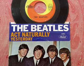 The Beatles 1965  Yesterday / Act Naturally  45  Record w/sleeve Capitol records 5498