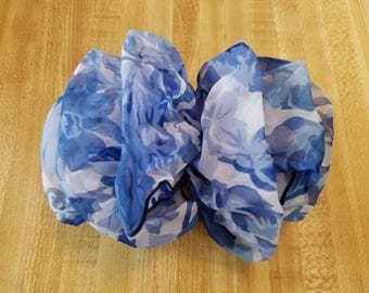 Vintage Blue and White Floral Hair Barrette Fluffy French Clip Ladies 1980s