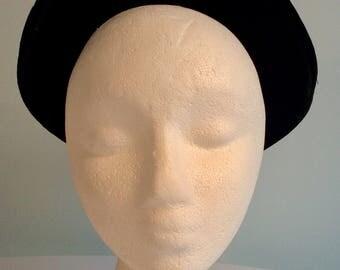 Vintage 40s 50s Black VELVET HAT