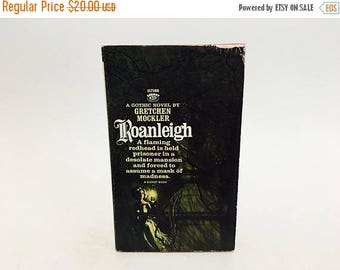 SUMMER BLOWOUT Vintage Gothic Romance Book Roanleigh by Gretchen Mockler 1966 Paperback