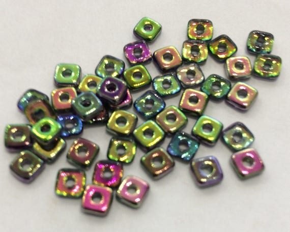 Czech Quad Beads Magic Orchid 5g (approx 110 beads)