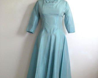 Vintage 1950s Day Dress Aquamarine Taffeta Summer Circle Skirt 50s Dress Small 5-6