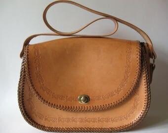 Stunning large light tan vintage jaguar tooled leather vintage handbag shoulder bag sturdy stamped