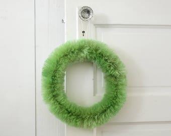 Bottle Brush Wreath - 12 Inch Vintage Style Green Sisal Wreath