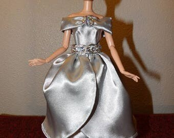2 formals in 1 - Stunning shiny silver Satin formal with removeable over skirt and off the shoulder collar for Fashion Dolls - ed1032