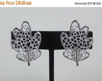 """25% Off Vintage Sarah Coventry """" FROSTED LEAVES"""" Lacy Silver Plated Oak Leaf Earrings"""