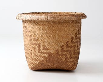 vintage Indonesian basket, woven bushel basket, geometric pattern basket