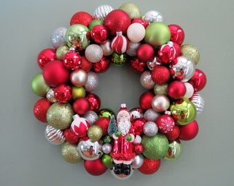 CHRISTMAS  Wreath Traditional SANTA ORNAMENT Wreath  Lime Red Silver Pearl
