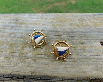 Vintage 80's Avon Nautical Ship Wheel and Sailboat Gold Toned Stud Earrings dr40