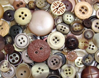 The Brown Button Assortment: A Variety Mix of 250 Vintage to Contemporary Buttons