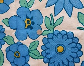 Vintage 1970s Cohama Mod Floral Print Fabric Sample 23 x 27