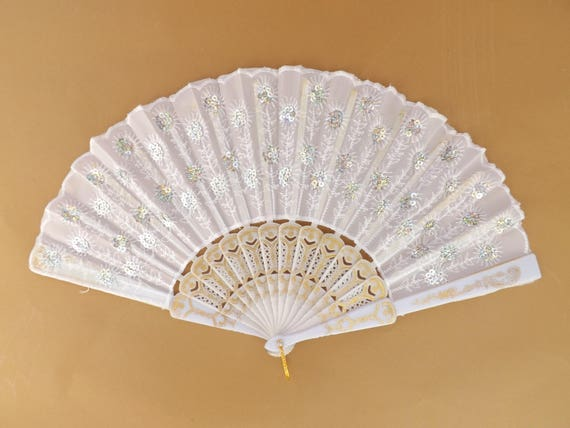 White Sequin Lightweight Plastic Traditional Hand Fan Budget Price Folding Fan from Spain