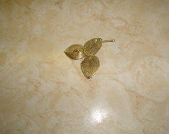 vintage pin brooch goldtone wired leaves