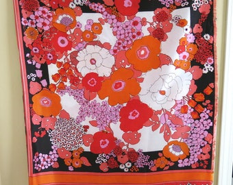 Silky Rayon Scarf Panel Unfinished Edges Bold 80s Flower Print Pink Red Orange Navy 30 by 40 Inches 5A