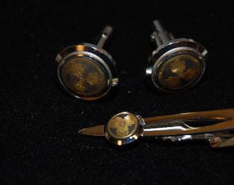 Damascene Stainless Steel Gold Inlay Toledo Spain Damascene Metal Work Cuff Links and Tie Bar Set Vintage 1950's