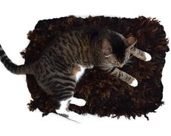 Cruelty Free, Shetland Bond Corriedale, Cat Bed, Pet Bed, Dog Mat, Wool Fleece, Natural, Ethical Sheepskin, Hand Felted Rug, Cat Lover Gift