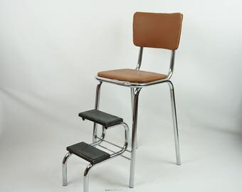 Super clean vintage step stool / Kitchen stool chair / Retro kitchen stool / Kitchen step stool