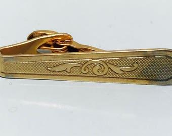 Vintage 1960s Gold Swirl Curlique Oval Tie Clip