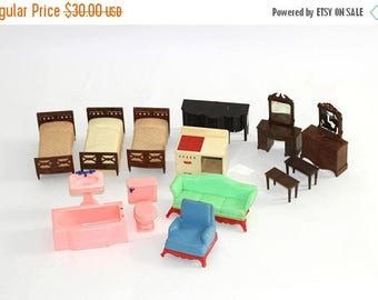 SALE Vintage Renwall Dollhouse Furniture 14 Pieces | 50u0027s 60u0027s Plastic  Dollhouse Bedroom Bathroom Kitchen