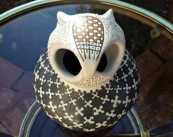 "Dulces Melero Pottery Owl Effigy Pot Native American Mata Ortiz 5 1/2"" Tall"