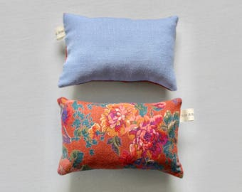 Handmade Floral Pincushion // Sewing Accessories // Pin cushion // Gifts for craft // Needlework accessory // Flower pincushion