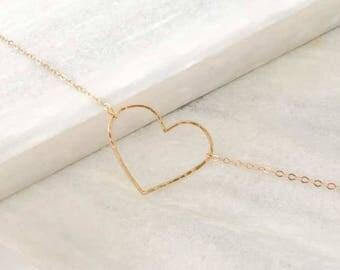 Bracelet pendentif coeur martelé