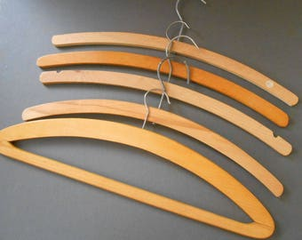 5 Wooden Hangers Vintage Hangers  Cottage Chic