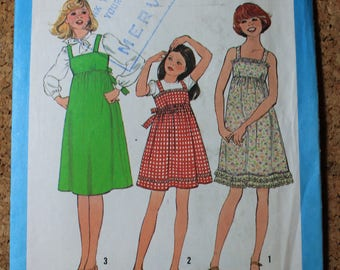Vintage Simplicity Sewing Pattern 8362 Girls size 10 Dress or Jumper 1978