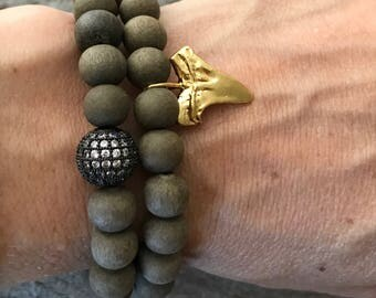 Matte gray wood and pave rhinestone and gold shark tooth stacking stretch bracelet set