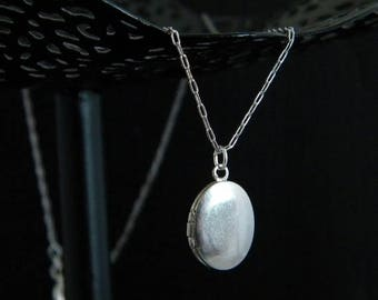 SALE Petite Vintage Silver Oval Locket Necklace